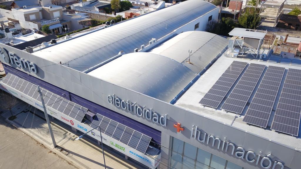 Fema va camino a autoabastecerse de energía con paneles solares