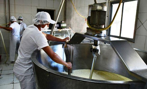 La provincia propone incentivar empleos en la industria láctea de la región