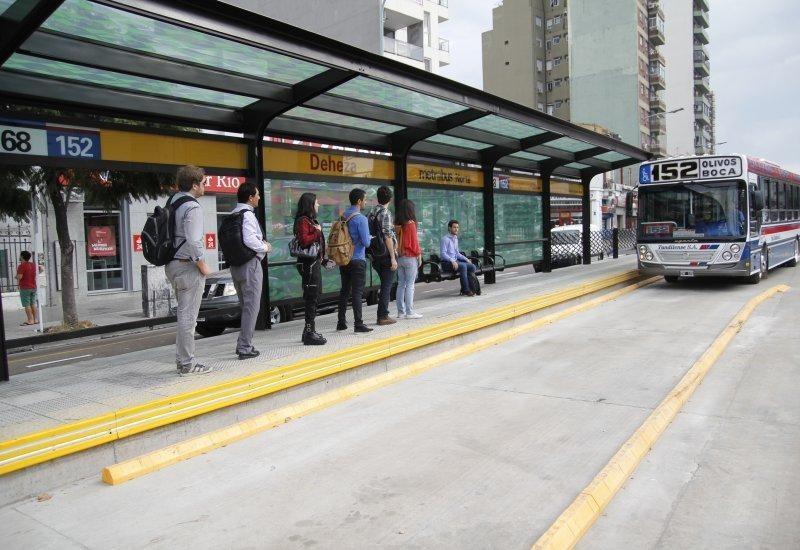 Qué se necesita para transitar por las calles y medios de transporte