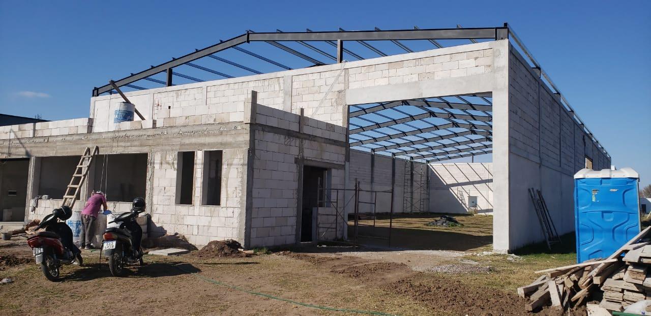 Dos empresas con importantes avances constructivos en el Parque Industrial