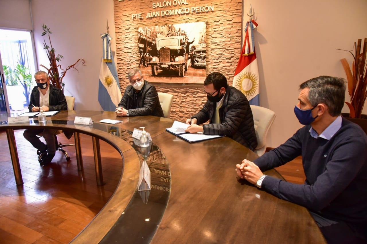 El municipio firmó un convenio de colaboración junto a la UNVM y UTN para el trabajo conjunto en el cumplimiento de objetivos