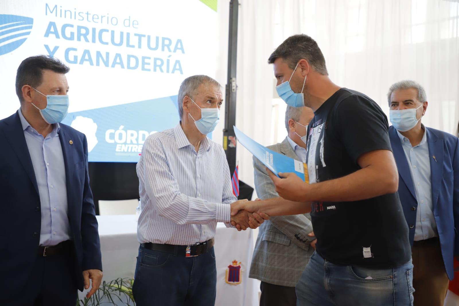 En Leones la Provincia entregó más de $31 millones a productores por Buenas Prácticas